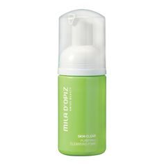 Deze licht schuimende reiniger bevat een combinatie van zuiverende ingredienten met als doel dode huidcellen en onzuiverheden te verwijderen zonder de huid uit ...