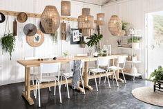 Bij strandpaviljoen Ajuma in Zandvoort is het vanaf nu allemaal mogelijk: werken en vergaderen met uitzicht op zee. vtwonen beach office is geopend!