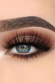 30 Hochzeit Make-up-Ideen für blaue Augen , 39 Top Rose Gold Makeup Ideas To Look Like A Prom Makeup Looks That Will Make You the Belle of the Sexy Eye Make Up Looks for Brown Eyes to Give… Makeup Eye Looks, Blue Eye Makeup, Cute Makeup, Skin Makeup, Eyeshadow Makeup, Makeup Brushes, Beauty Makeup, Eyeshadows, Blue Dress Makeup