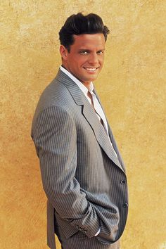 Luis Miguel - The Maestro on ISR WestCoast Love Songs channel 9