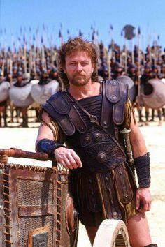 Ulisse Re di Itaca, inventore di mille stratagemmi, tornò dalla guerra dopo 10 anni di viaggi difficili tra le acque del mediterraneo. Qui interpretato da Sean Bean in Troy