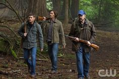 """How to Win Friends and Influence Monsters"" - (L-R): Jensen Ackles as Dean, Jared Padalecki as Sam, and Jim Beaver as Bobby in SUPERNATURAL on The CW. Photo: Jack Rowand/The CW©2011 The CW Network, LLC. All Rights Reserved."