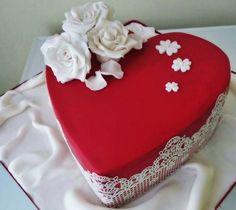 Heart Shaped Cakes, Heart Cakes, Valentines Day Wishes, Valentine Cake, Red Cake, Heart Art, Cake Art, Fondant, Cake Decorating