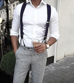 Voir comment porter pantalon bretelle homme See how to wear men's suspenders pants Sharp Dressed Man, Well Dressed, Mode Masculine, Suspenders Outfit, Suit With Suspenders, Look Fashion, Mens Fashion, Fashion Ideas, Herren Outfit