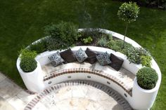 Modern family Garden Design West London The paved circle outside the back door features a semi-circu Raised Beds Bedroom, Raised Garden Beds, Outdoor Seating Areas, Garden Seating, Outside Seating Area, Outdoor Lounge, West London, Back Gardens, Outdoor Gardens