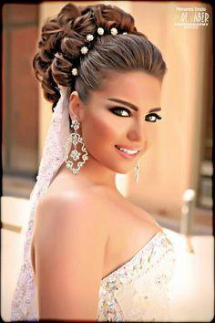 peinados de novias on pinterest 1138 pins bride arabic wedding hairstyle video 236x354