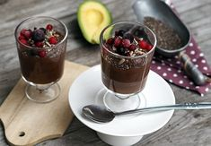raw avokádová sladká čokoládová pena Raw Vegan, Sugar Free, Panna Cotta, Food Porn, Pudding, Ethnic Recipes, Puddings, Treats, Leaf Vegetable