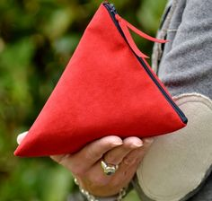 Pochette. Red suede. PiBase