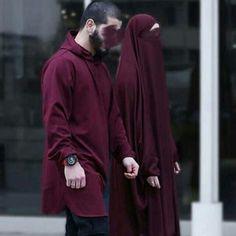 Takim Afgan Cilbablarimiz tamamen zel dikim olup ok kalitelidir en zenli dikimle zel retim Kuma lar m zla haz rl yoruz r nlerimizi Arab Girls, Muslim Girls, Islamic Fashion, Muslim Fashion, Modest Fashion, Cute Muslim Couples, Cute Couples, Muslim Couple Photography, Photography Poses