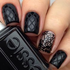 Black nails with matte design, with blackens negative space accent. (by @sinney on IG)