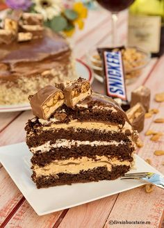 TORT SNICKERS | Diva in bucatarie Cake Cookies, Cupcake Cakes, Cake Recipes, Dessert Recipes, Nutella Cheesecake, Something Sweet, Diy Food, No Bake Cake, Food And Drink