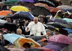 """Francisco: """"Hasta el Papa tiene pecados, pero Dios los perdona"""" - 30.05.2013 - lanacion.com"""