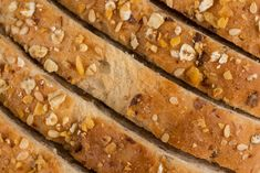 Slices of whole wheat bread close up shot Corn On Toe, Get Rid Of Corns, Cinnamon Health Benefits, Foot Remedies, Stale Bread, Whole Wheat Bread, Soft Feet, Home Health Care, Home Remedies