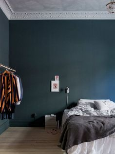 Blue in the bedroom. / Bolaget.
