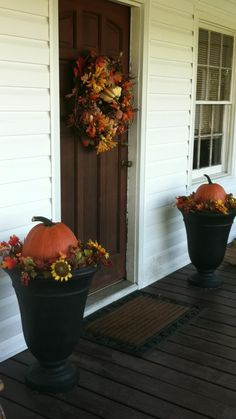Front Porch Decorations for Autumn.  Now I just need a front porch...........
