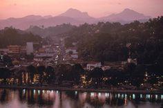 SRI LANKA. Kandy. 1995. Steve McCurry