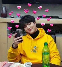 young k meme K Meme, Funny Kpop Memes, Bts Memes, K Pop, Young K Day6, Jae Day6, Heart Meme, Cute Love Memes, Meme Faces
