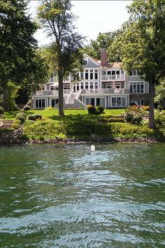 Lake House. This is why many dream of having a lake house. #LakeHouse