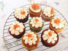 Homemade Carrot Cupcake w/ Cream Cheese Frosting (홈메이드 캐롯 컵케이크 + 크림치즈 프로스팅)  #baking day w/ my mom
