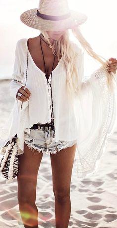 bohochic outfit: hat + shirt + shorts