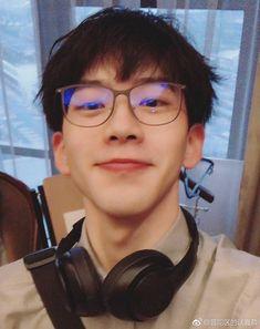 Korean Boys Ulzzang, Ulzzang Couple, Ulzzang Boy, New Face, Asian Boys, Hot Boys, Handsome Boys, Cute Guys, Pretty People