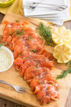 Think Salmon Gravlax is crazy complicated to make and should be left to the pros of this world? Think again. Find out how to make your own, stupid easy!