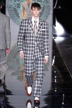 Versace Menswear Fall 2013 Mens Outfitters, Men Looks, All About Fashion, Edward Wilding, Dandy, Versace Fashion, Versace Men, Gianni Versace, Gentleman Fashion