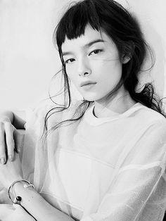 ギザギザバングスも芸能人やモデルさんを中心に今ブームのスタイル。  大胆なイメチェンはきっとアナタの気分もあがるはず。