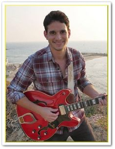 The 7 Simple Keys of Teaching Yourself the Guitar (Play ANY Song) Easy Guitar, Guitar Tips, Guitar Songs, Guitar Chords, Acoustic Guitar, Simple Guitar, Basic Guitar Lessons, Online Guitar Lessons, Guitar Lessons For Beginners