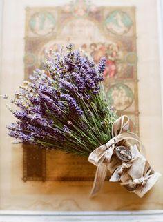 Lavender Weddings Flowers http://weddingflowersideas.blogspot.com/2014/09/lavender-weddings-flowers-refreshing.html