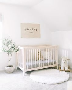 😴 calm vibes only ☺️ • #babyletto Gelato crib • 📷: nursery designed by mama @katiebethlamb Nursery Design, Kids Room Design, Nursery Room, Nursery Decor, White Nursery, Baby Room, Ikea Dollhouse, Ikea Play Kitchen, Toddler Table