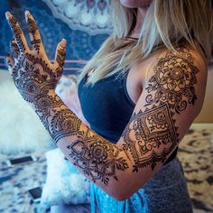 """3,147 Likes, 20 Comments - @gopihenna on Instagram: """"Here's the full design from yesterday's post! I loooove full sleeves-- @jilliebean24fit saw some of…"""""""