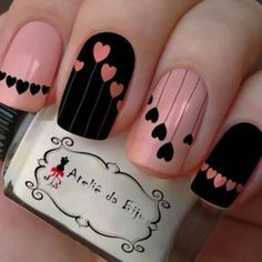 False nails have the advantage of offering a manicure worthy of the most advanced backstage and to hold longer than a simple nail polish. The problem is how to remove them without damaging your nails. Trendy Nail Art, Stylish Nails, Hot Nails, Pink Nails, Matte Nails, Acrylic Nails, Matte Pink, Black Nails, Matte Black
