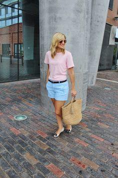 Bijuleni - Checkered blue shorts, pink graphic tee, flower flats, wicker basket #ootd.