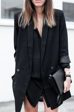 I have a grey oversized blazer similar to this. I like how the black blazer in this pic looks too; especially with this shirt dress. Looks Street Style, Looks Style, Style Me, Black Style, Black Work, Style Noir, Mode Style, Outfit Instagram, Looks Black