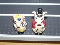Wade Mr Pig Salt Pot Mrs Pig Pepper Pot Shakers Circa 1948 | eBay