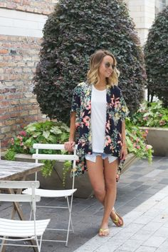 A beautiful floral print kimono you need in your closet, our Frenchi Kimono will be great for all your basic tees & tanks! We even like the idea of throwin