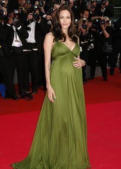 Angelina #maternity #style  #pregnant #celebrities