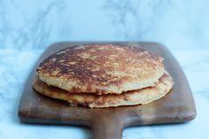 Koolhydraatarme hartige broodjes! Omelet, Cakes And More, Chorizo, Crackers, Pancakes, Keto, Lunch, Breakfast, Desserts