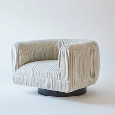 MAIA swivel chair by Kimberly Denman soon to be at Jean De Merry Dallas. Deco Furniture, Fine Furniture, Furniture Styles, Custom Furniture, Contemporary Furniture, Furniture Design, Kitchen Furniture, Luxury Furniture, Modern Swivel Chair