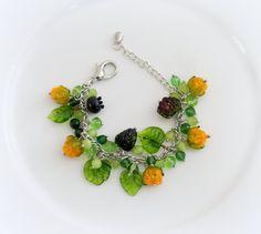 Bracelet berry Garden Murano glass lampwork glass bead  Beaded art glass jewelry Artisan handmade lampwork bracelet