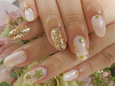 White and Gold nails for winter