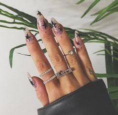 Acrylic nails are always the most popular in the nails style. This nails are suitable for matching with various mainstream nail colors. Today we recommend the niche of acrylic nails: acrylic star… Star Nail Designs, Acrylic Nail Designs, Cute Acrylic Nails, Gel Nails, Coffin Nails, Star Nails, Nail Art, Fire Nails, Nagel Gel