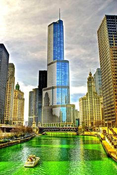 Since the Chicago Journeymen Plumbers turn the Chicago River green for St. The idea originated when a plumber poured dye to find the source of a waste discharge into the Chicago river and the green hue appeared. Chicago Green River, Chicago City, Chicago Illinois, San Diego, San Francisco, Places To Travel, Places To See, Lago Michigan, Nova Orleans