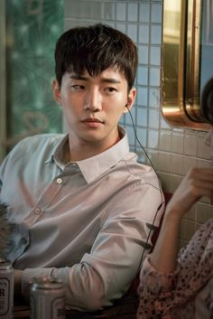 Loving his drama Wok of Love! He & the lead lady has sooo much chemistry its on fire. Kdrama, 2pm Kpop, Korean Celebrities, Korean Actors, Jung Ryeo Won, Descendents Of The Sun, Choi Siwon, Lee Junho, Weightlifting Fairy Kim Bok Joo