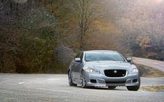 2014-Jaguar-XJR-front-end-static Photo