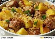 Hlávkové zelí, mleté kuličky a brambory v jednom pekáčku recept - TopRecepty.cz Slovak Recipes, Mince Recipes, Czech Recipes, Pork Recipes, Cooking Recipes, Ethnic Recipes, Slovakian Food, Modern Food, Pork Meat
