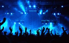 Een vorm van directe distributie van muziek, de muzikant levert zijn product (de muziek) meteen aan de eindgebruiker (de fans).