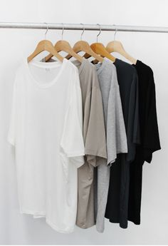 Create the perfect wardrobe. These tops are capsule wardrobe essentials. Perfect Wardrobe, My Wardrobe, Capsule Wardrobe, French Wardrobe Basics, Minimal Chic, Minimal Fashion, Minimal Classic, Classic Style, Mode Style