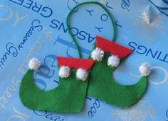 Elf Shoes Ornament Craft: Christmas Crafts for Kids & Homemade Ornaments - Kaboose.com
